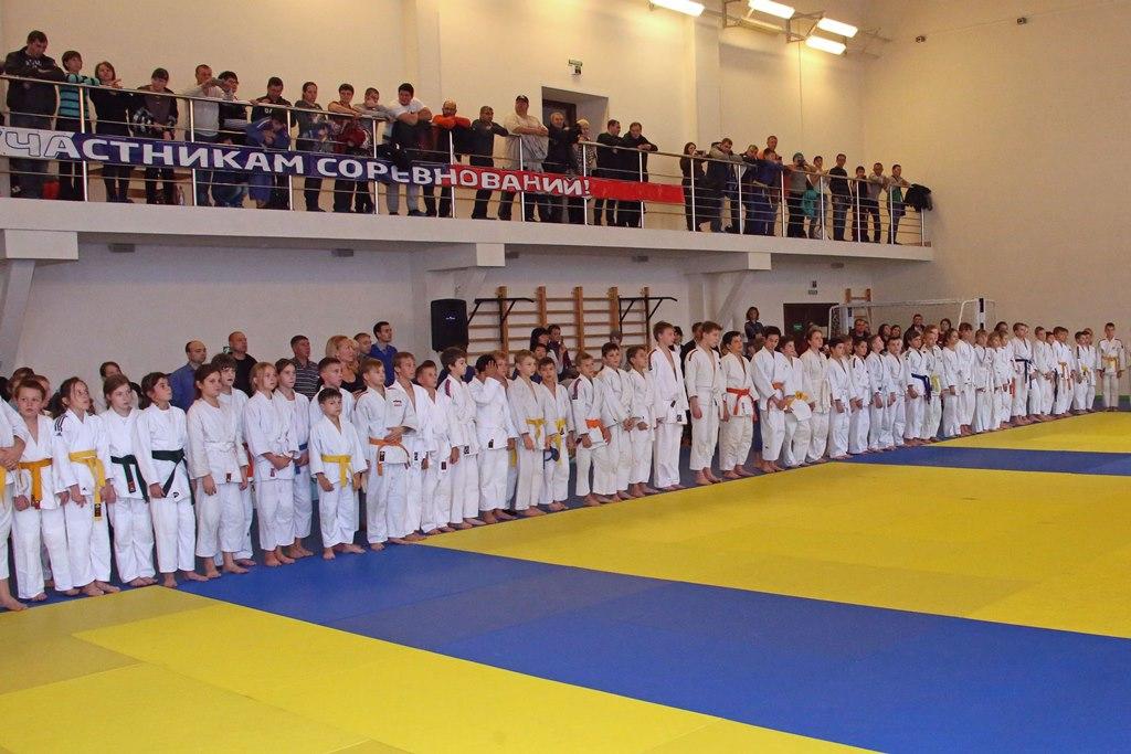 Более двухсот юных дзюдоистов выступили на турнире памяти Пименова