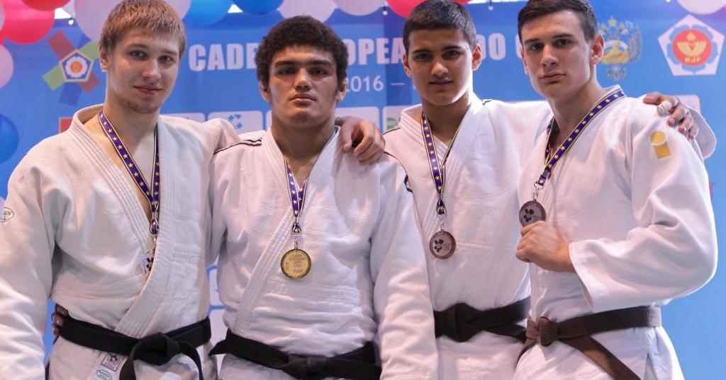 Дзюдо: гибкий путь к победе Как юным новосибирским дзюдоистам удалось завоевать серебро и бронзу на Кубке Европы и может ли Новосибирск стать центром развития дзюдо?
