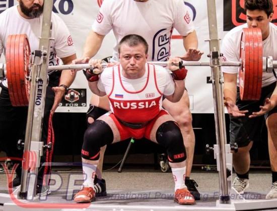 Сергей Федосиенко стал абсолютным чемпионом мира по классическому пауэрлифтингу