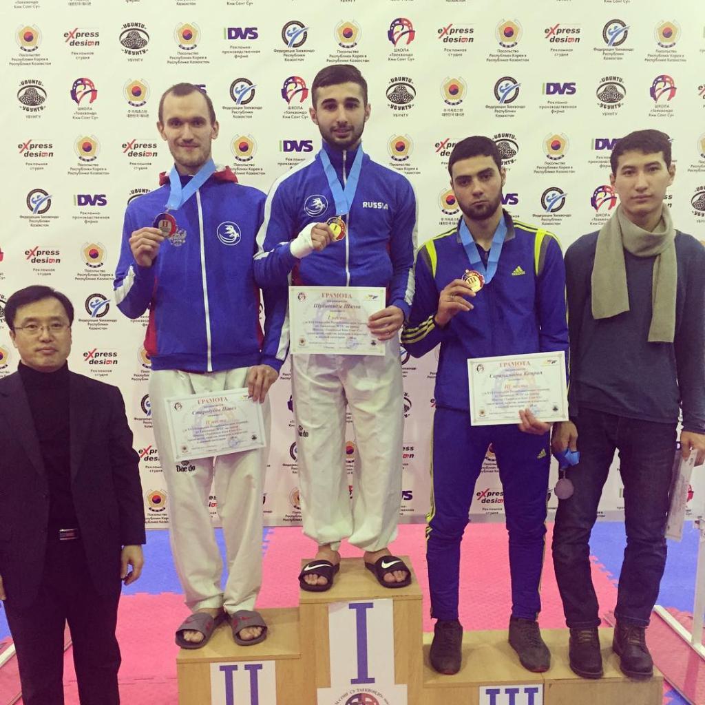 Новосибирские тхэквондисты привезли медали из-за границы