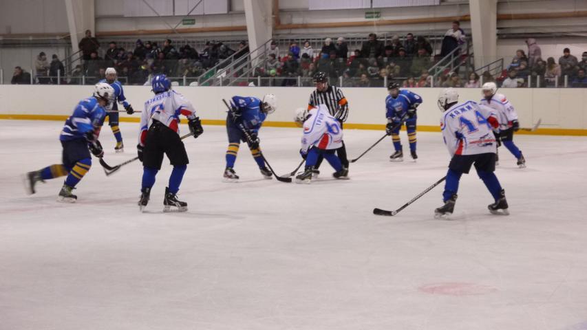 Новосибирские мальчишки поборются за «Золотую шайбу»