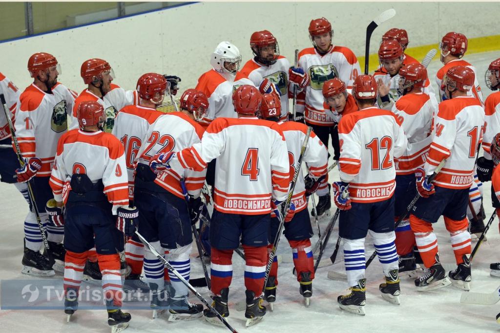 Хоккеисты НЦВСМ борются за победу на чемпионате России по спорту глухих