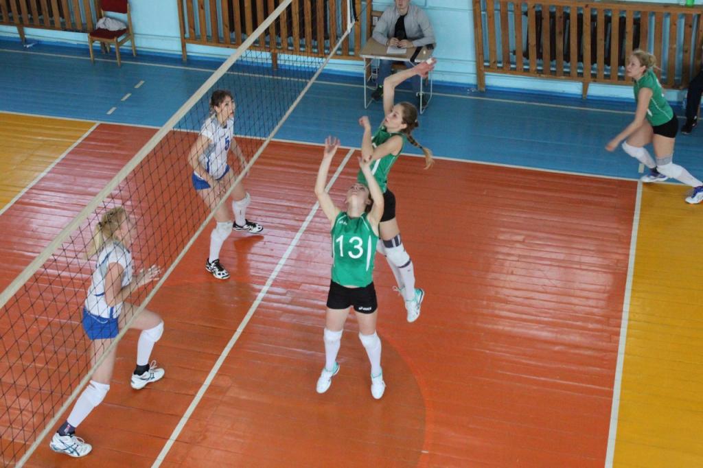 Впервые в призах: команда волейболисток с нарушениями слуха завоевала «серебро» городского первенства