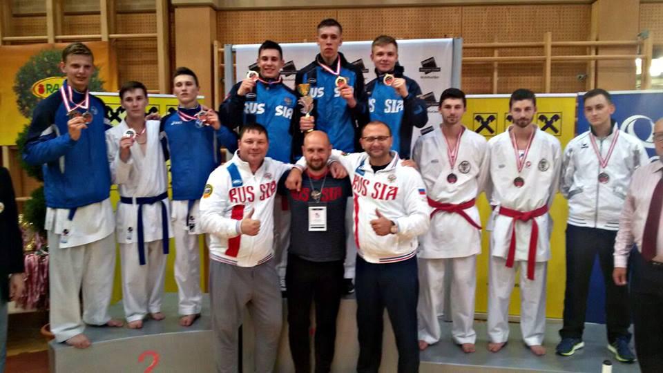 Новосибирские каратисты завоевали медали на юниорских соревнованиях в Австрии