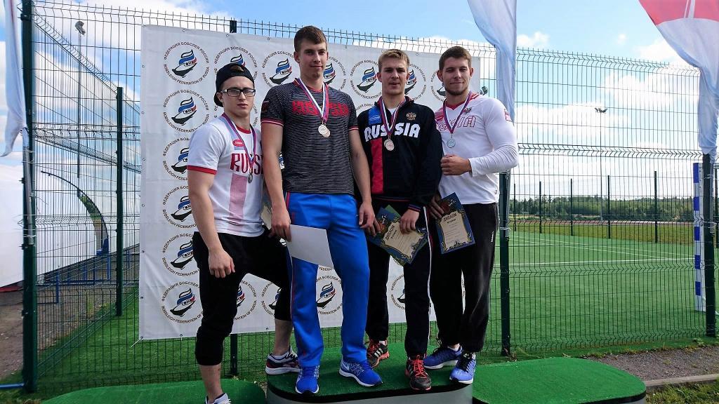 Денис Коротков завоевал три медали на Всероссийских соревнованиях по боб-стартам