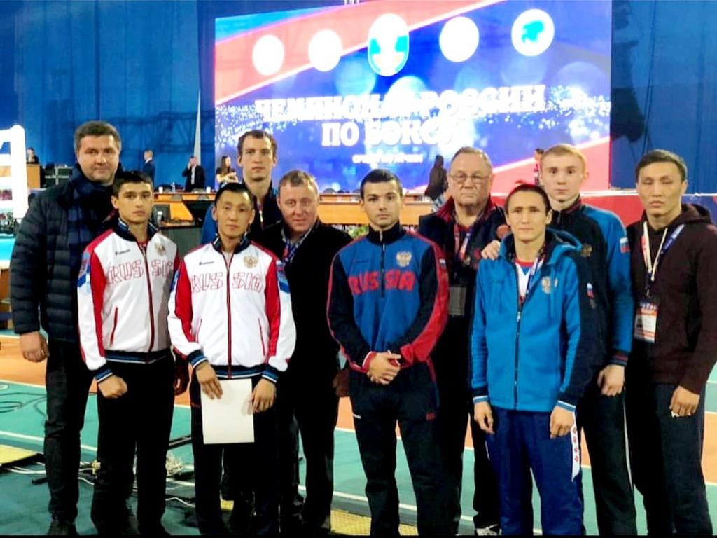 Четверо новосибирцев завоевали медали на чемпионате России по боксу