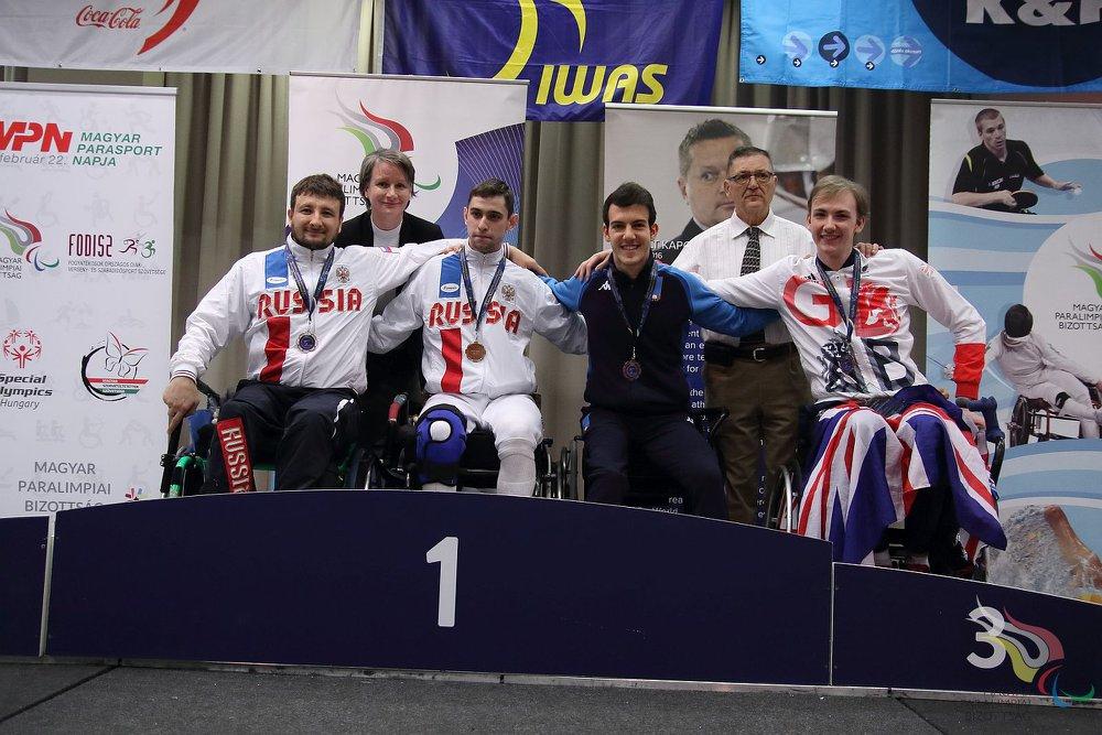 Новосибирские фехтовальщики на колясках завоевали три медали на этапе Кубка мира