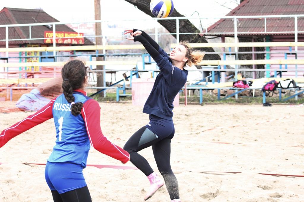 «Золотое» открытие пляжного сезона у волейболистов
