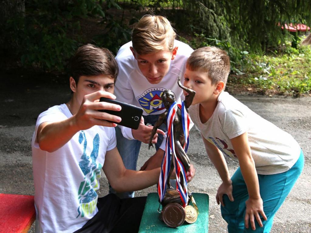 Даша-пропагандист: как спортсменка НЦВСМ проводит встречи в летних лагерях