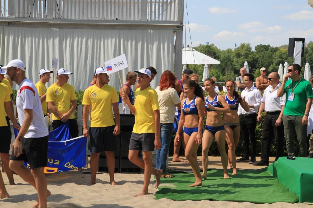 Новосибирские волейболистки завоевали на украинском пляже бронзу