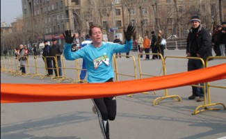 Ольга Глок становится призером чемпионата России по полумарафону!