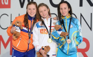 Ульяна Кузнецова привозит две медали с чемпионата России по плаванию