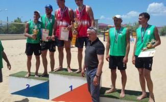Серебро и бронза чемпионата России по пляжному волейболу у новосибирских спортсменов