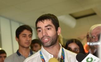 Новосибирск встретил серебряного призера Игр Олимпиады Мишу Алояна!